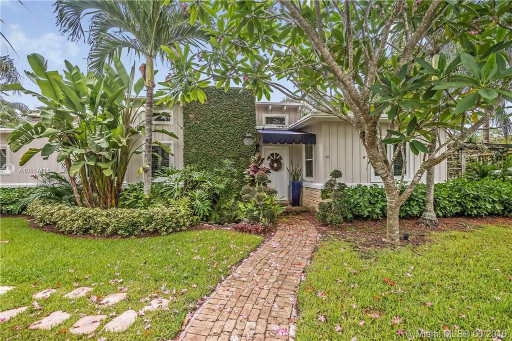 Photo of home for sale at 2601 58th Ave SW, Miami FL