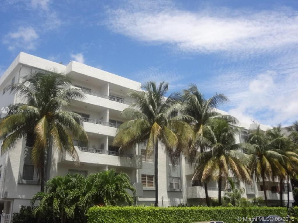Photo of home for sale at 1610 Lenox Ave, Miami Beach FL
