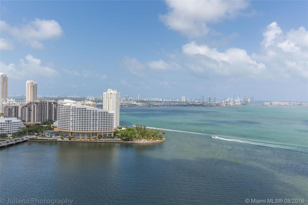 Photo of home for sale at 1155 BRICKELLBAY DR, Miami FL