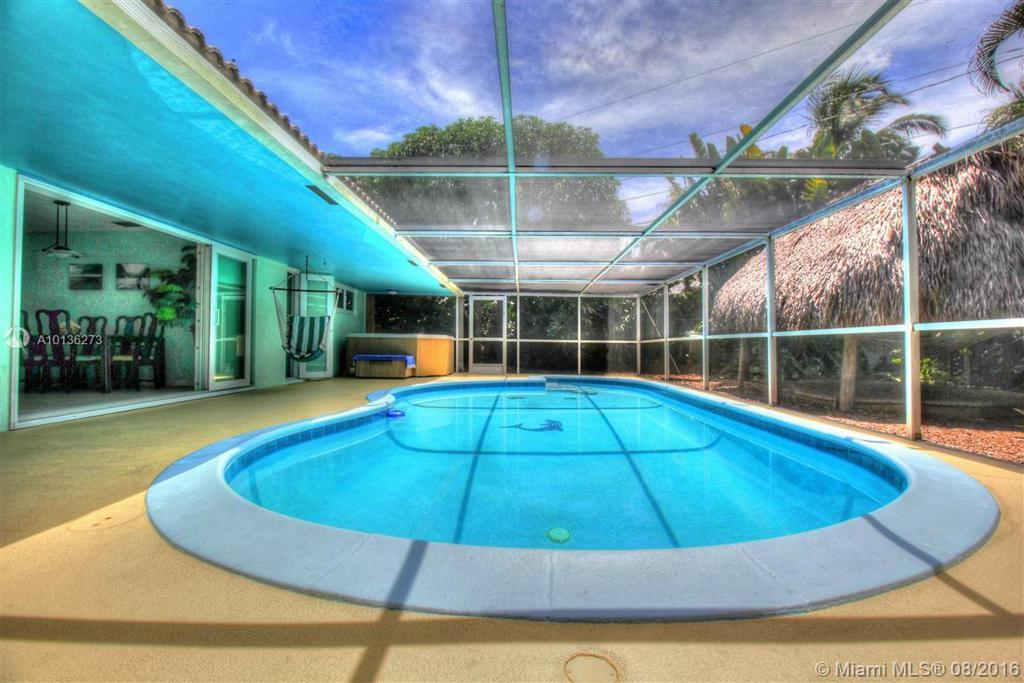 Photo of home for sale at 801 9th Ter SW, Boca Raton FL