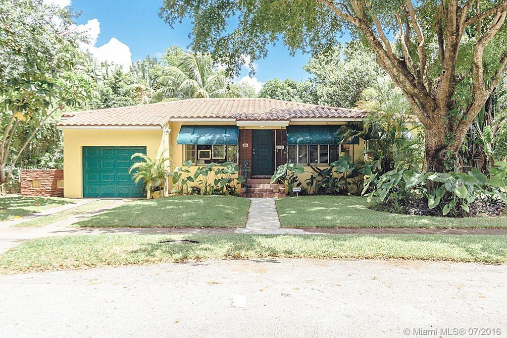 Photo of home for sale at 425 93rd St NE, Miami Shores FL