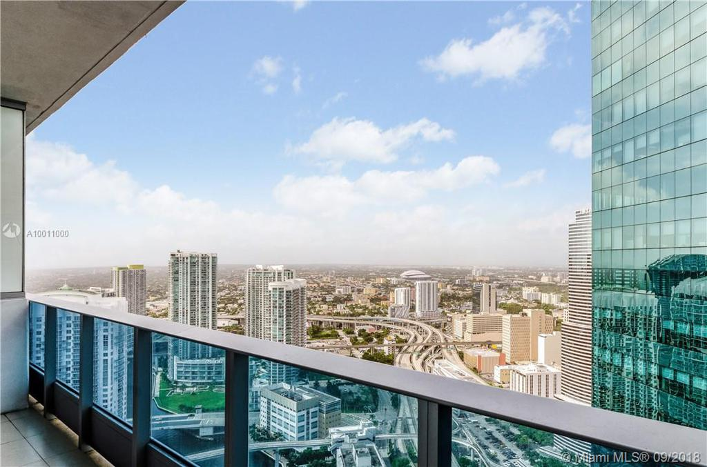Photo of home for sale at 200 Biscayne Boulevard Way, Miami FL