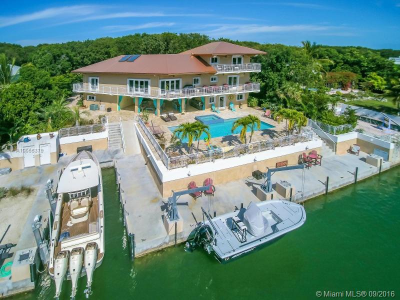 Photo of home for sale at 470 Barracuda Blvd, Other City - Keys/Islands/Caribbean FL