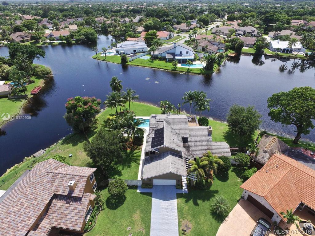 Photo of home for sale at 9890 1st Ct SW, Plantation FL