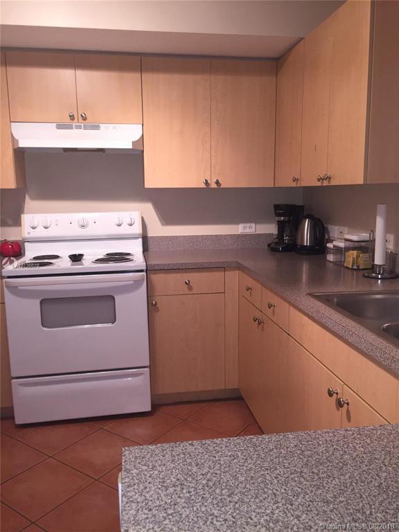 Photo of home for sale at 205 Villa Cir, Boynton Beach FL