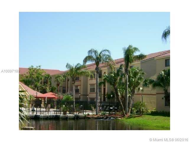 Photo of home for sale at 2846 University Dr, Davie FL