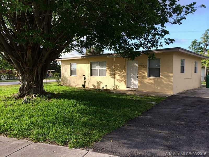Photo of home for sale at 3600 4th St NW, Lauderhill FL