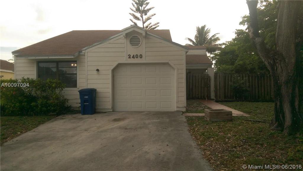 Photo of home for sale at 2400 85th Ter SW, Miramar FL