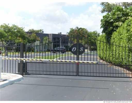 Photo of home for sale at 3115 Oakland Shores Dr, Oakland Park FL
