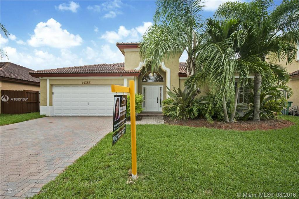 Photo of home for sale at 14353 158th Ct SW, Miami FL