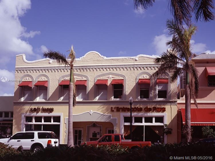Photo of home for sale at 421 Washington Ave, Miami Beach FL