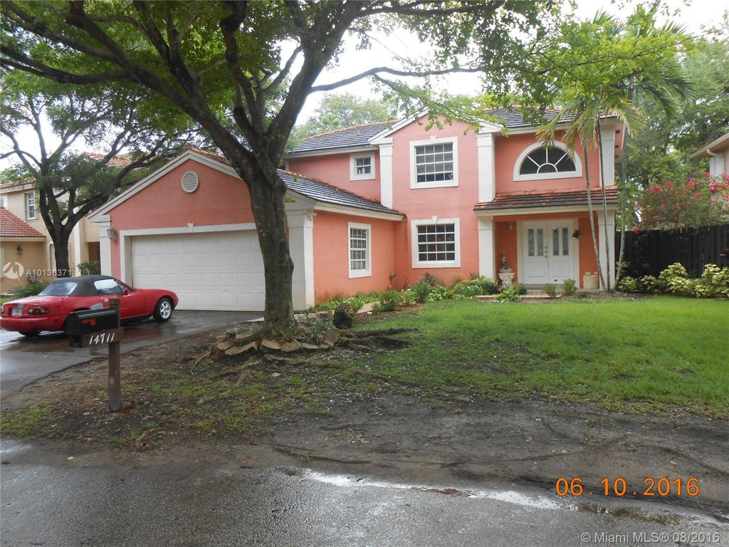 Photo of home for sale at 14711 46th Ln, Miami FL