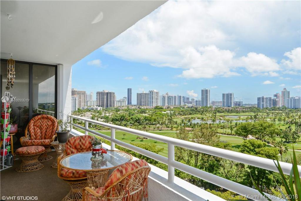 Photo of home for sale at 20355 34th Ct NE, Aventura FL