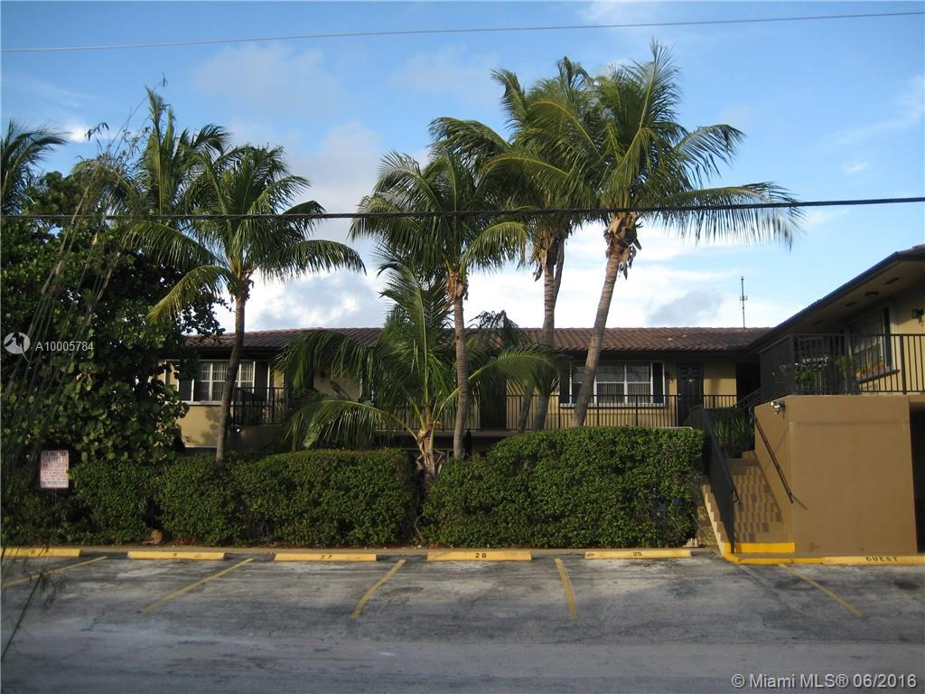 Photo of home for sale at 4410 Bougainvilla Dr, Lauderdale By The Sea FL