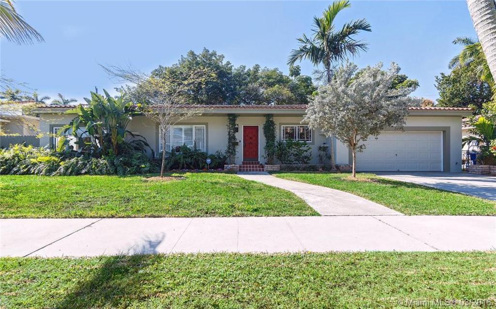 Photo of home for sale at 1080 86th St NE, Miami FL