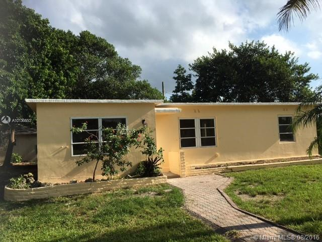 Photo of home for sale at 15445 Hayes Ln, Homestead FL