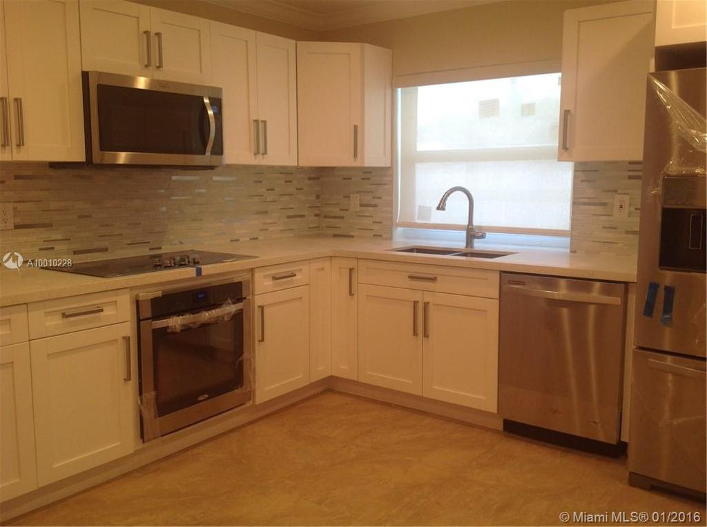 Photo of home for sale at 9531 27th Dr SW, Miami FL