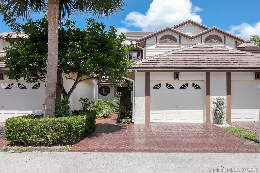 Photo of home for sale at 11608 19th Dr NW, Coral Springs FL