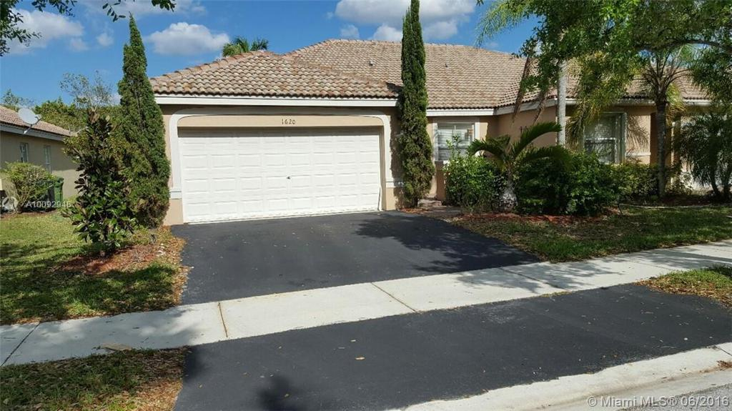 Photo of home for sale at 1620 Orion Ln, Weston FL