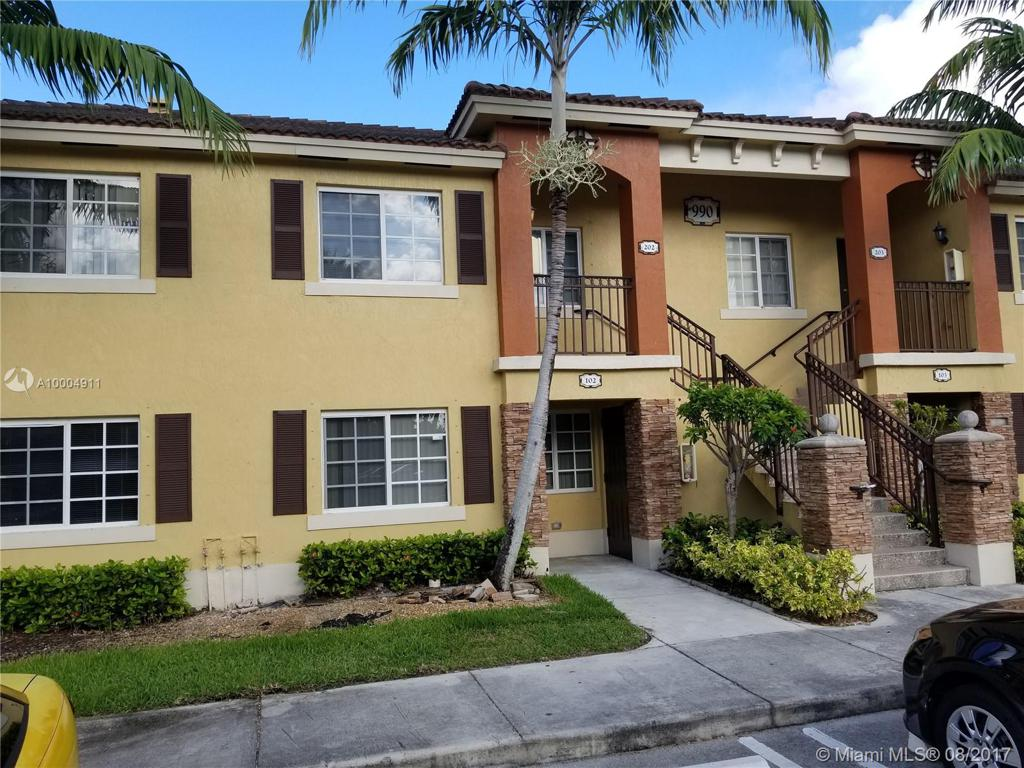 Photo of home for sale at 990 33rd Ter NE, Homestead FL