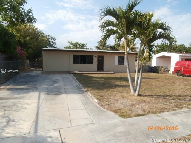 Photo of home for sale at 1029 12th St NW, Fort Lauderdale FL