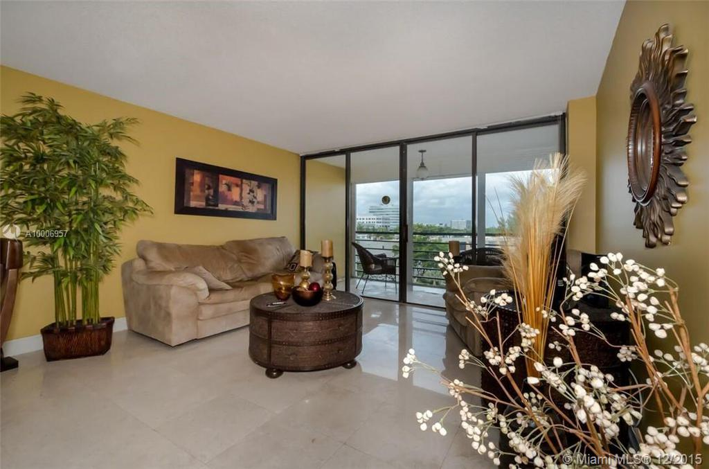 Photo of home for sale at 20400 Country Club Dr W, Aventura FL