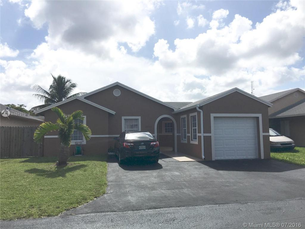 Photo of home for sale at 24964 128th Pl SW, Homestead FL