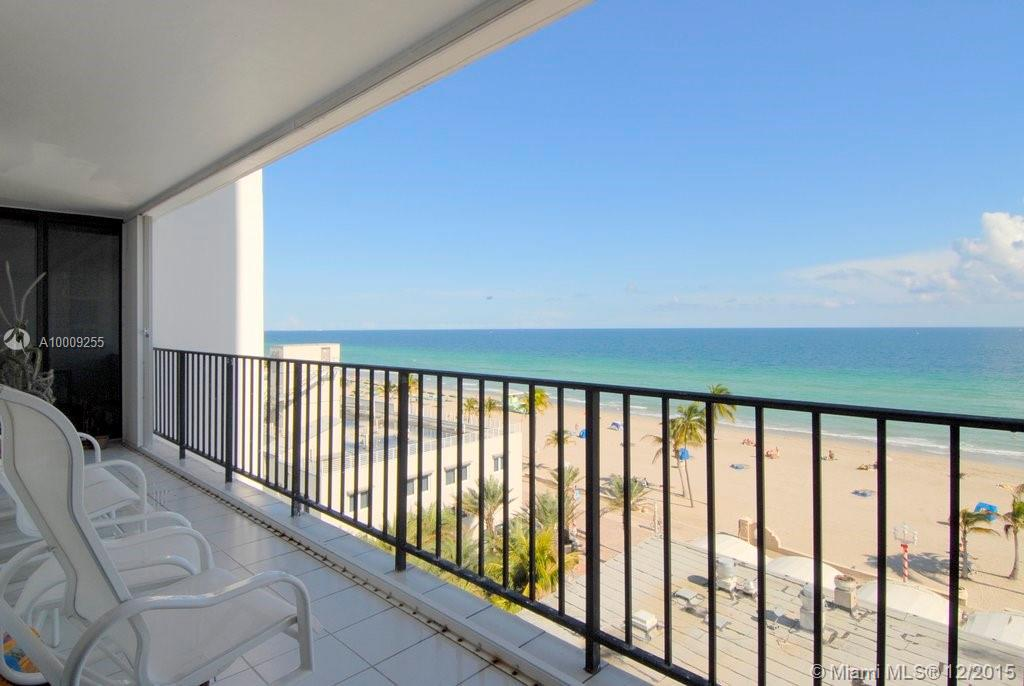 Photo of home for sale at 322 Buchanan St, Hollywood FL