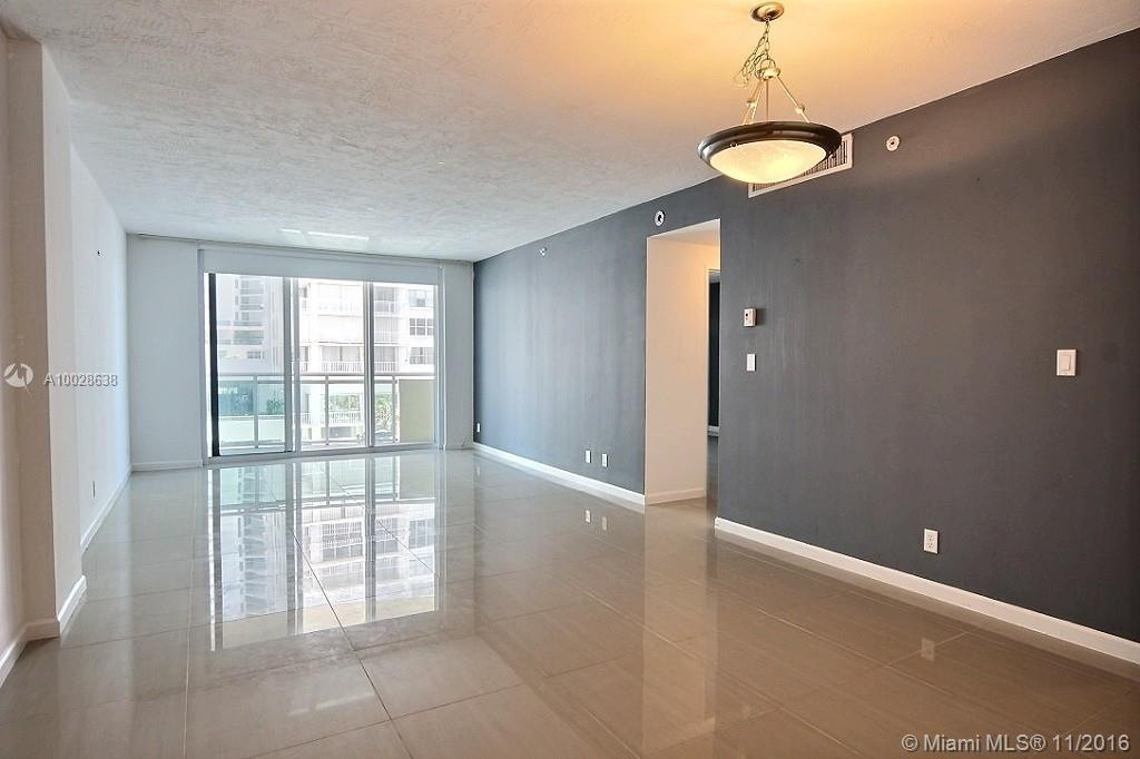 Photo of home for sale at 3001 Ocean Dr S, Hollywood FL