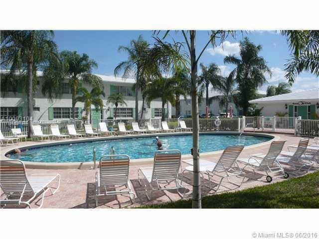 Photo of home for sale at 1851 62nd St NE, Fort Lauderdale FL
