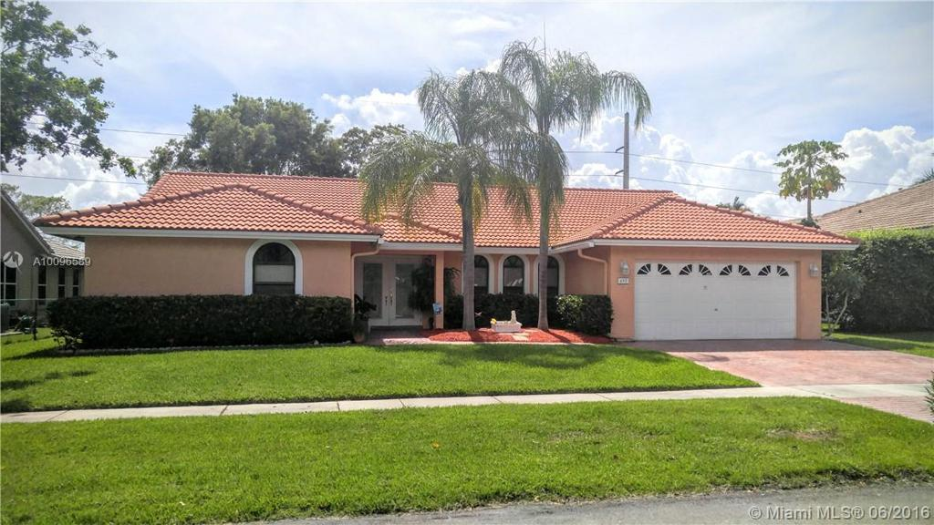 Photo of home for sale at 495 169th Ter SW, Weston FL