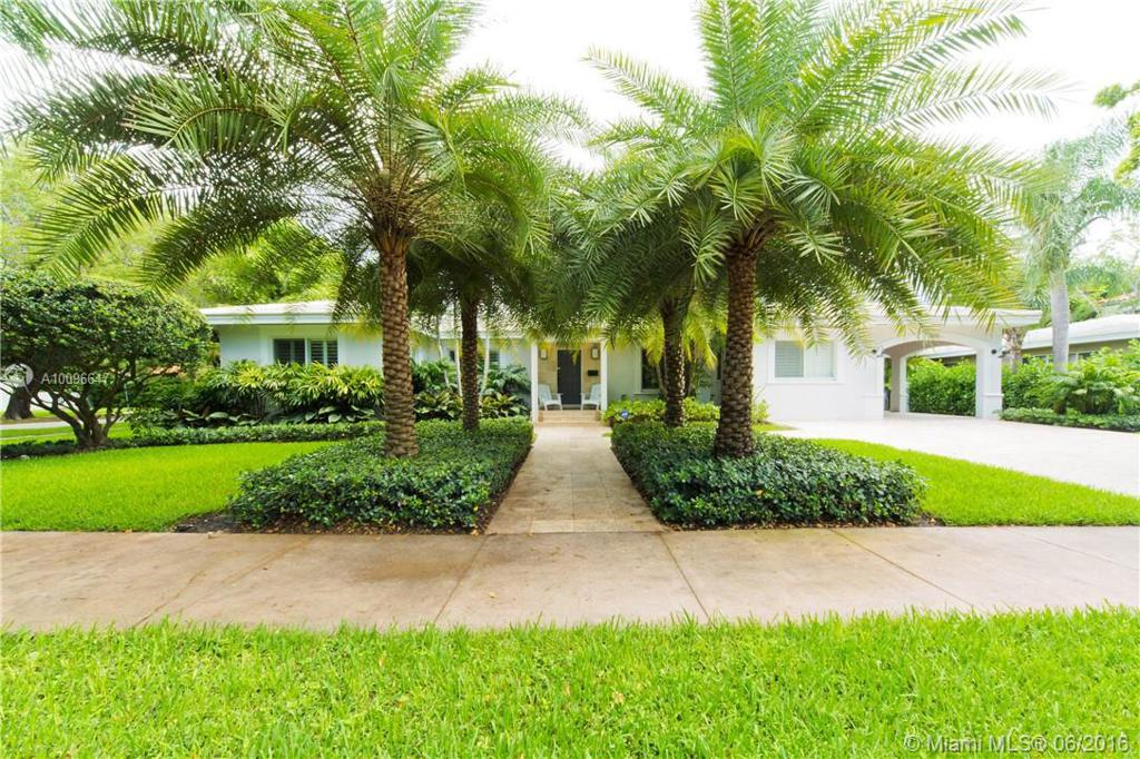 Photo of home for sale at 500 Palermo Ave, Coral Gables FL
