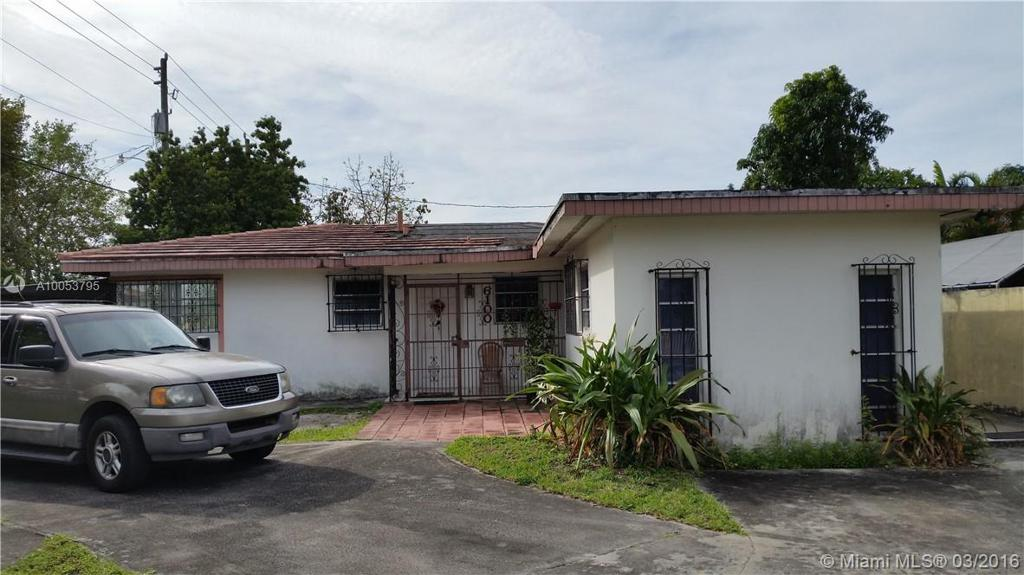 Photo of home for sale at 6100 2nd St NW, Miami FL