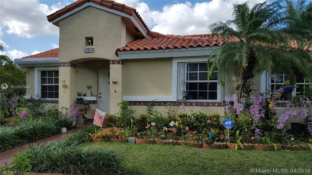 Photo of home for sale at 4250 149 CT SW, Miami FL
