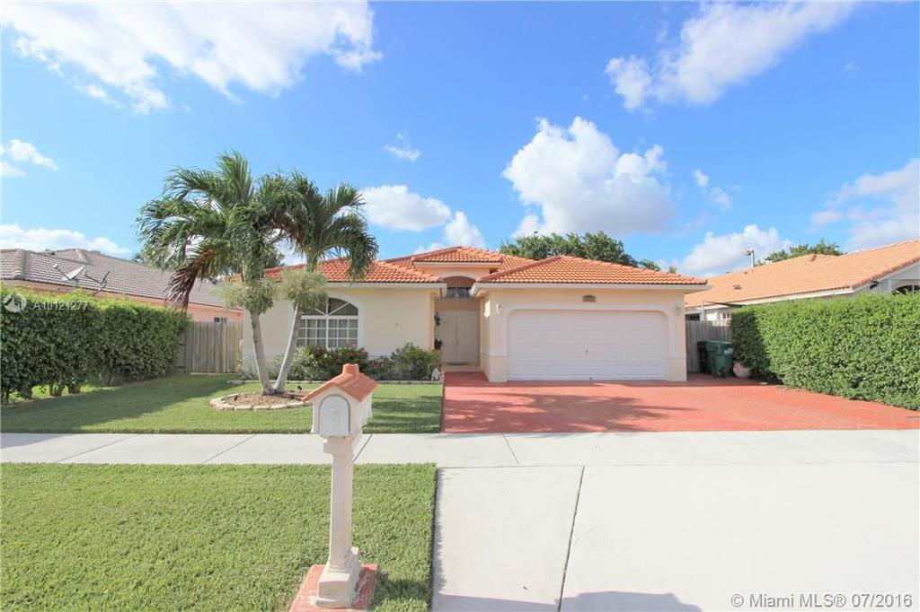 Photo of home for sale at 16565 90th St SW, Miami FL