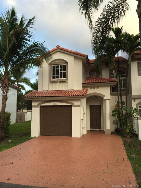Photo of home for sale at 5033 114th Ct NW, Doral FL