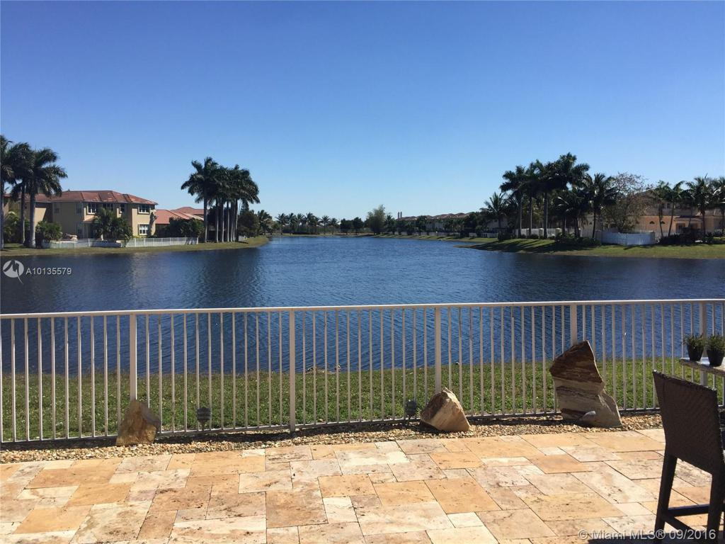 Photo of home for sale at 7721 113 PA NW, Doral FL