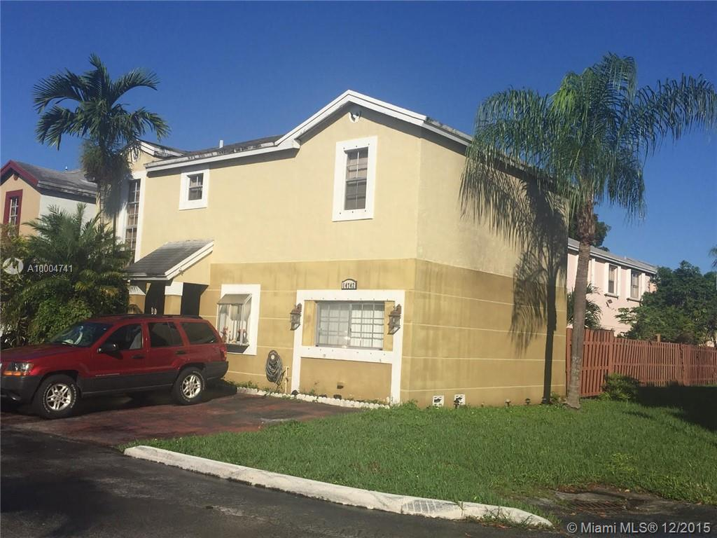 Photo of home for sale at 14742 92nd Street Rd SW, Miami FL