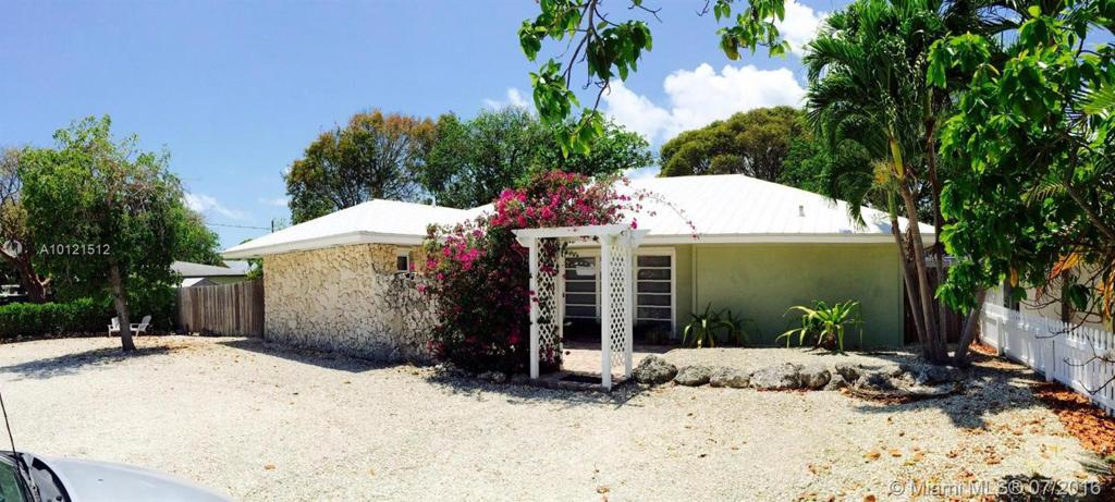 Photo of home for sale at 309 2nd Trc, Other City - Keys/Islands/Caribbean FL