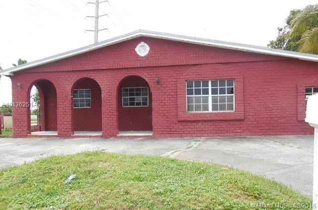 Photo of home for sale at 15130 Tyler St, Miami FL