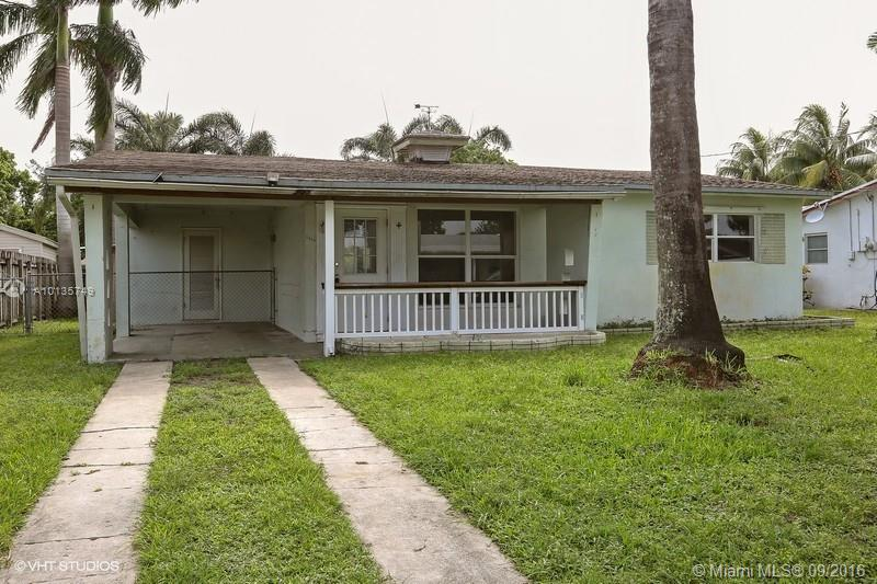Photo of home for sale at 4610 34 dr SW, Fort Lauderdale FL