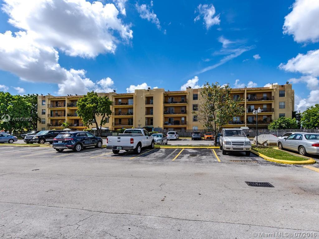 Photo of home for sale at 5625 20th Ave W, Hialeah FL