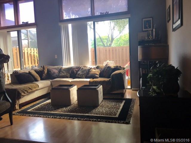 Photo of home for sale at 1170 University Dr N, Plantation FL