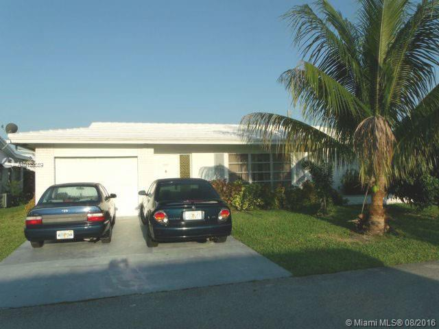 Photo of home for sale at 5807 81 Ave, Tamarac FL