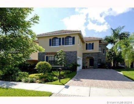 Photo of home for sale at 800 Rio Vista Blvd N, Fort Lauderdale FL