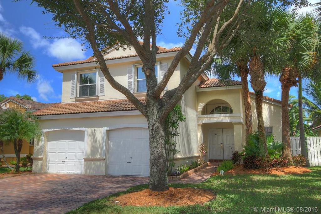 Photo of home for sale at 4951 35th Way SW, Fort Lauderdale FL