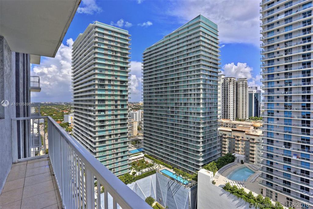 Photo of home for sale at 1250 Miami Ave S, Miami FL