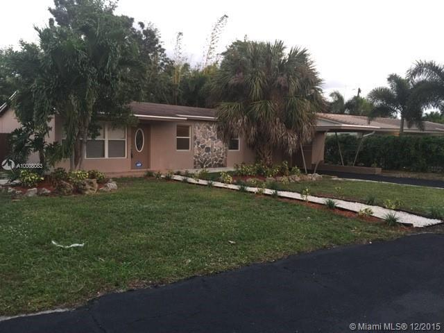 Photo of home for sale at 55 26th Ct, Wilton Manors FL
