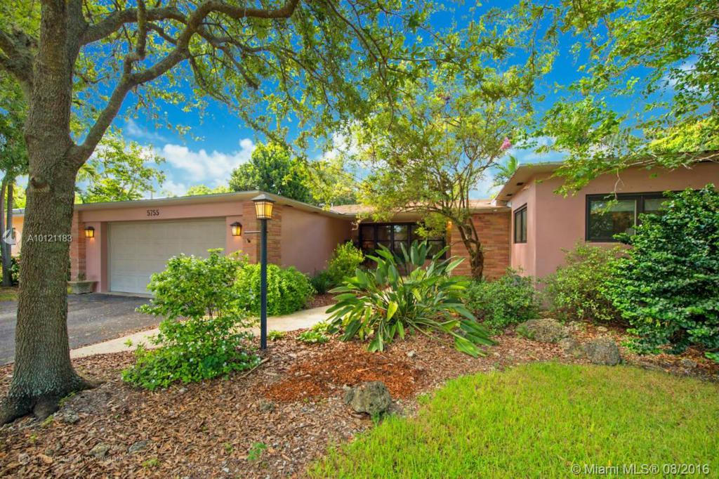 Photo of home for sale at 5755 56th Ter SW, Miami FL