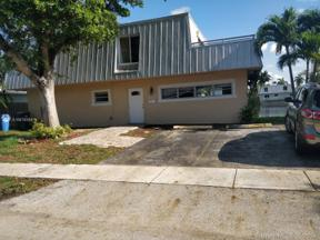 Property for sale at 1371 NE 40th Pl, Oakland Park,  Florida 33334